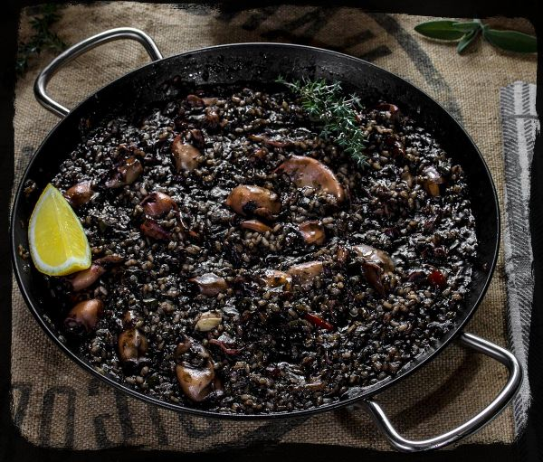 how to cook paella negra